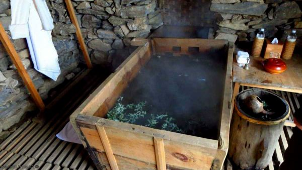 Traditional Hot Stone Bath